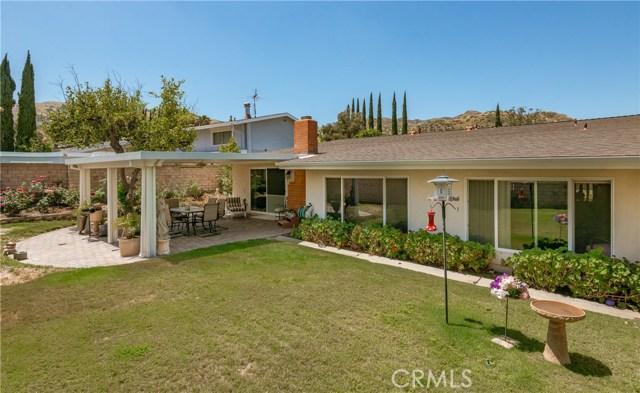 13225 Whistler Avenue, Granada Hills CA: http://media.crmls.org/mediascn/9cb58cba-625c-45fe-99cf-05d2a3df1d16.jpg