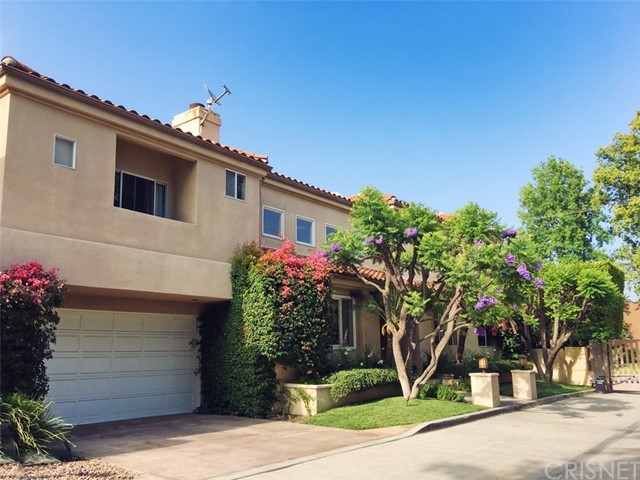 Single Family Home for Sale at 16503 Esprit Lane 16503 Esprit Lane Encino, California 91436 United States