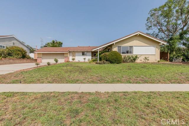 10920 Garden Grove Avenue, Northridge CA: http://media.crmls.org/mediascn/9cd3866b-7dc7-4dcc-8470-e5a0192eaa4e.jpg
