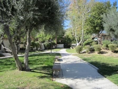 Townhouse for Rent at 10044 Larwin Avenue Chatsworth, California 91311 United States