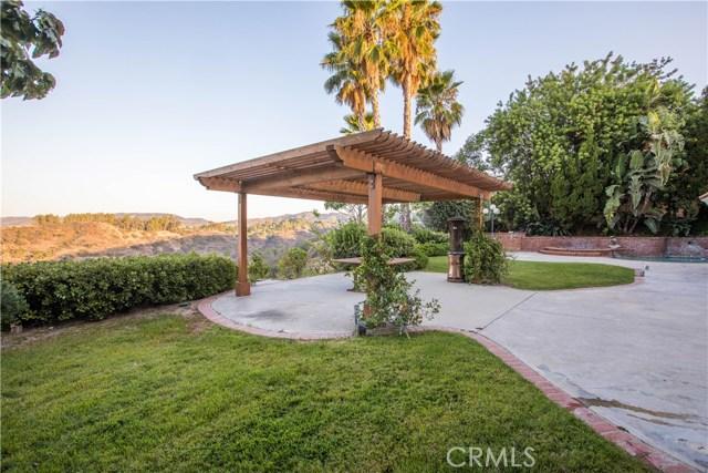 4486 Winnetka Avenue, Woodland Hills CA: http://media.crmls.org/mediascn/9d5dbafc-a8e2-4df8-b550-59fb04899b10.jpg