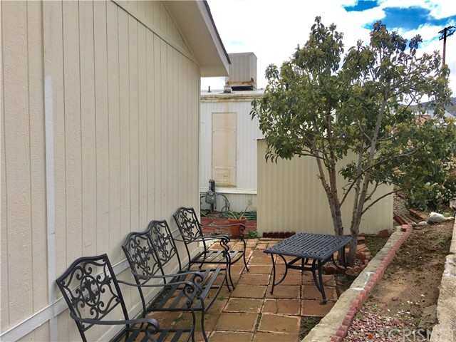Additional photo for property listing at 11401 Topanga Canyon Boulevard  Chatsworth, California 91311 United States