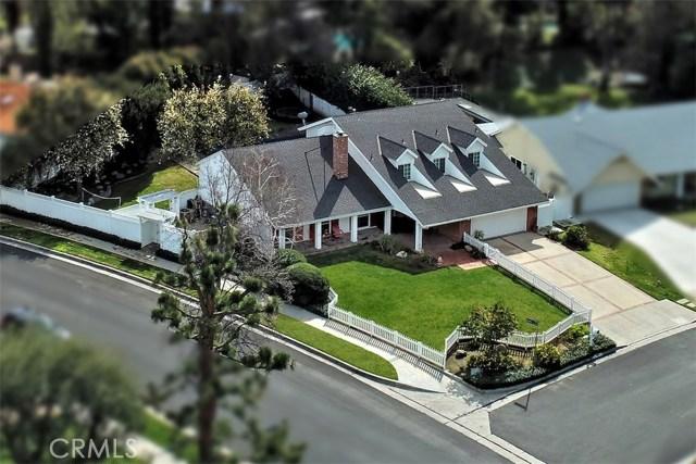 4838 Quedo Place, Woodland Hills CA: http://media.crmls.org/mediascn/9de5bccb-7b15-454b-9732-f9d8effe6abf.jpg
