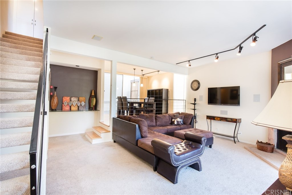 Property for sale at 28260 REY DE COPAS LANE, Malibu,  CA 90265