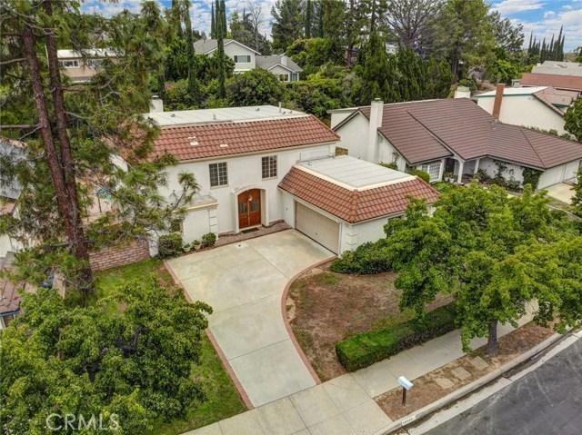19136 Castlebay Lane, Porter Ranch CA: http://media.crmls.org/mediascn/9eeed611-c58f-4185-8609-b4ec51a57eb6.jpg