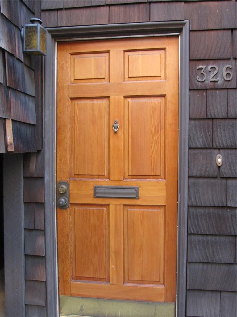 326 N 5th Street, Burbank CA: http://media.crmls.org/mediascn/9f0171f6-bbae-49b6-88e5-ba02dce0ec30.jpg
