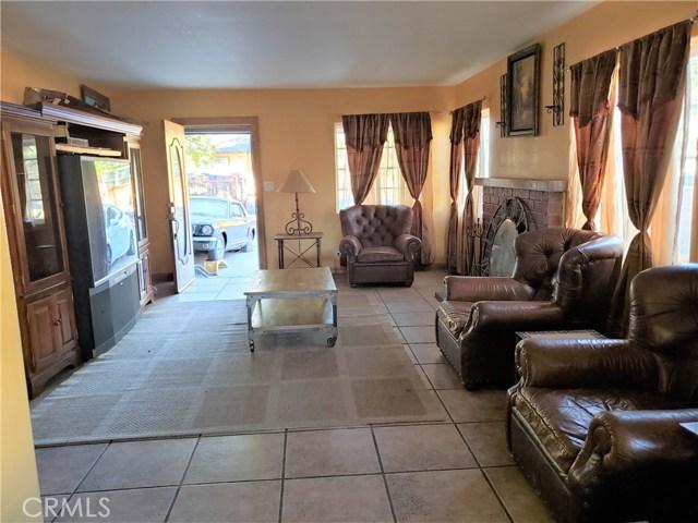 12479 Bradley Avenue, Sylmar CA: http://media.crmls.org/mediascn/9f049042-7315-42c5-abb7-1025445e1561.jpg