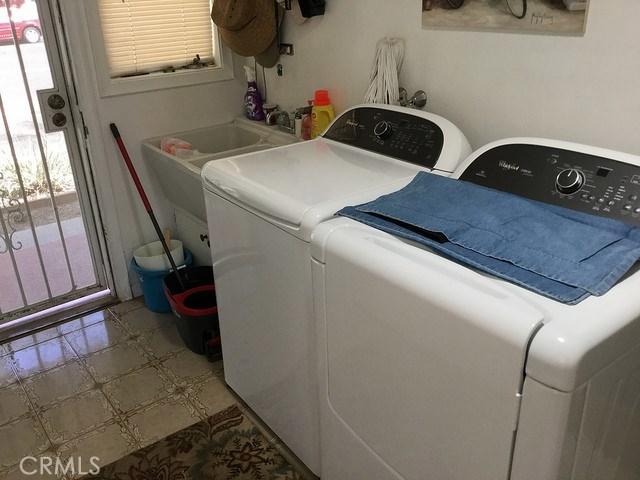 1266 Cary Avenue, Wilmington CA: http://media.crmls.org/mediascn/9f20effb-8695-4636-8071-6fc76a2ddb04.jpg
