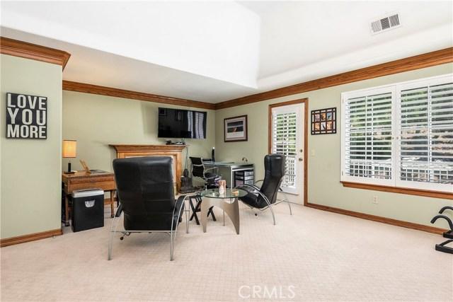 11900 Andasol Avenue, Granada Hills CA: http://media.crmls.org/mediascn/9f315a92-a3e1-4f03-81f8-d0a547542363.jpg