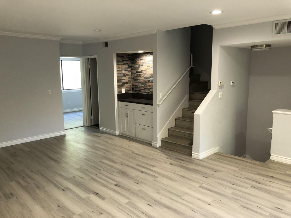 Condominium for Sale at 21930 Marylee Street Unit 81 21930 Marylee Street Woodland Hills, California 91367 United States