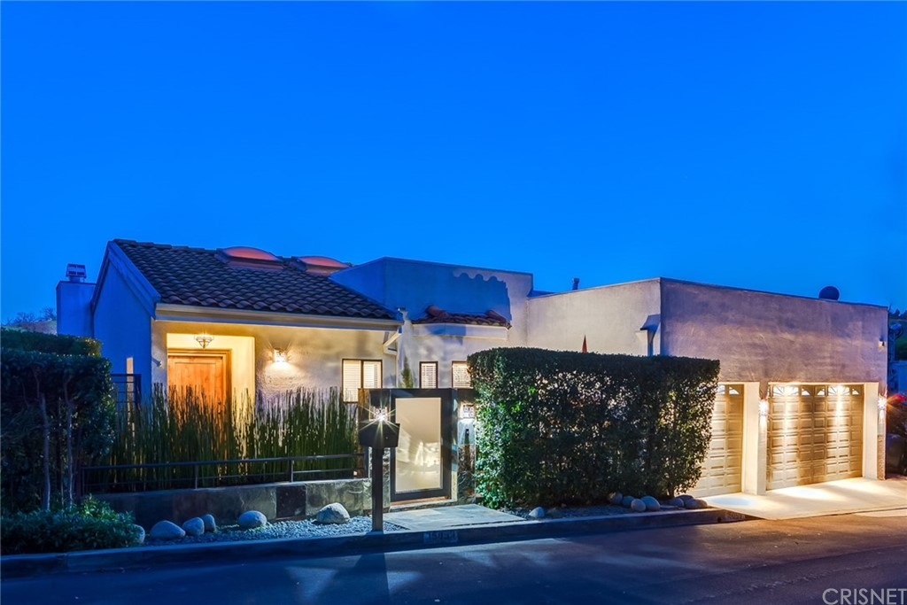 Photo of 15059 Rayneta Drive, Sherman Oaks, CA 91403