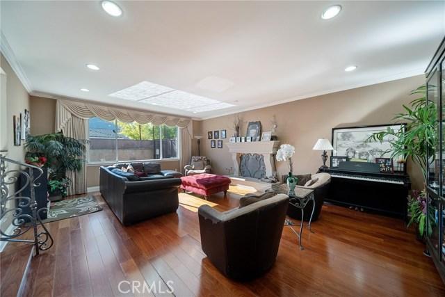 13300 Weddington Street, Sherman Oaks CA: http://media.crmls.org/mediascn/9f8d43ad-89a5-4bf1-a995-aca6eca51747.jpg
