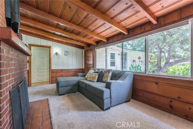13614 Hart Street, Valley Glen CA: http://media.crmls.org/mediascn/9fa3a225-ee14-41aa-8473-ddae1382353f.jpg