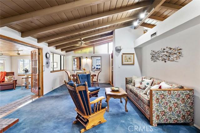 10624 Gaviota Avenue, Granada Hills CA: http://media.crmls.org/mediascn/a00ec8fe-bf57-4500-b110-fba3b108c3f8.jpg