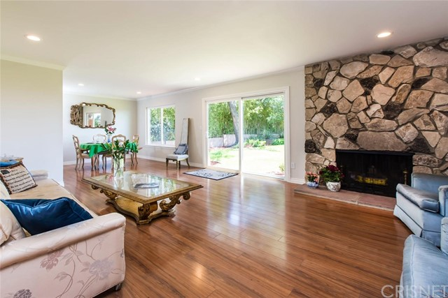 8523 Outland View Drive Sun Valley, CA 91352 - MLS #: SR18117042