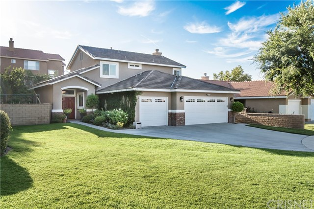 26501 Royal Vista Court, Canyon Country CA 91351