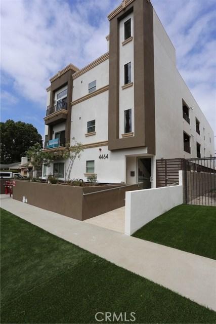 4464 Vista Del Monte, Sherman Oaks CA: http://media.crmls.org/mediascn/a064e410-b998-4b26-9e70-580646514f53.jpg