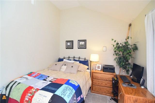 633 Arneill Road, Camarillo CA: http://media.crmls.org/mediascn/a0c236f5-8a01-45de-9222-2c2892950d47.jpg