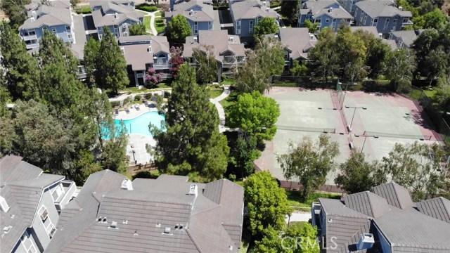 26914 Flo Lane, Canyon Country CA: http://media.crmls.org/mediascn/a0f8276a-a119-4ec9-b54a-d3f4e76b6938.jpg