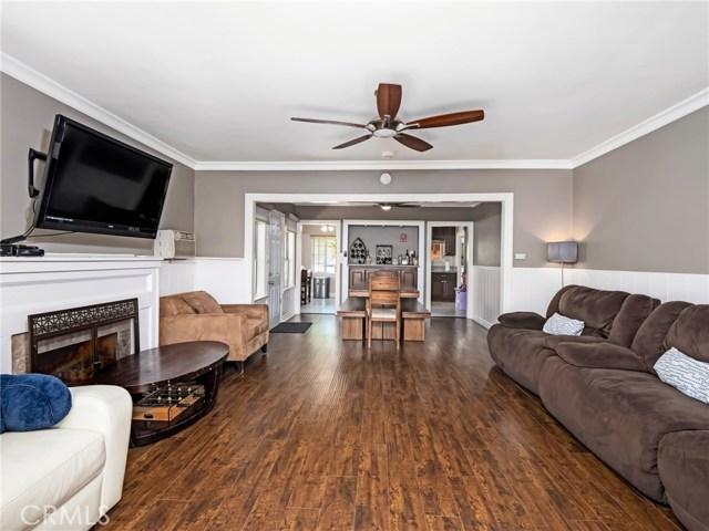 7132 N Figueroa Street, Eagle Rock CA: http://media.crmls.org/mediascn/a1169a49-2add-4ba2-9890-12673443fa4b.jpg
