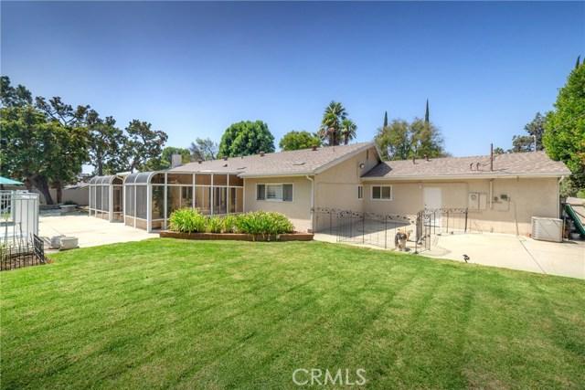 9524 Texhoma Avenue, Northridge CA: http://media.crmls.org/mediascn/a14a045c-3eb9-46ec-95fb-bcf600f3f1da.jpg