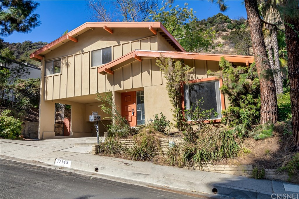 Photo of 17149 CLEMONS Drive, Encino, CA 91436