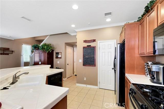 440 Arborwood Street, Fillmore CA: http://media.crmls.org/mediascn/a1c2472e-ba08-4204-b7eb-b804f55e7437.jpg