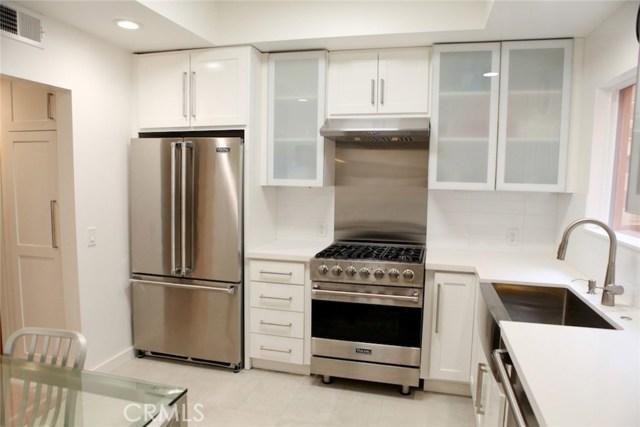 Condominium for Sale at 1144 Chelsea Avenue Santa Monica, California 90403 United States