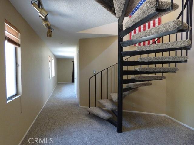 825 Buena Vista Way, Frazier Park CA: http://media.crmls.org/mediascn/a225b147-7bf3-4346-975b-dcbfcaba1e3a.jpg