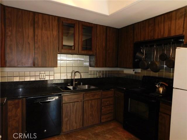 181 Notre Dame Avenue, Chatsworth CA: http://media.crmls.org/mediascn/a24e6eef-8c3e-4248-8dc2-fb2b9fdfc56d.jpg