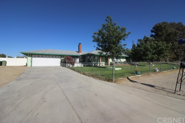 Single Family Home for Sale at 37254 95th Street Littlerock, California 93543 United States