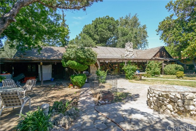 Single Family Home for Sale at 9540 Burnet Avenue North Hills, California 91343 United States