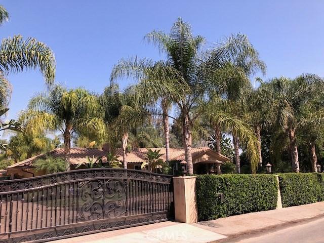 20129 Wells Drive Woodland Hills, CA 91364 - MLS #: SR18194238