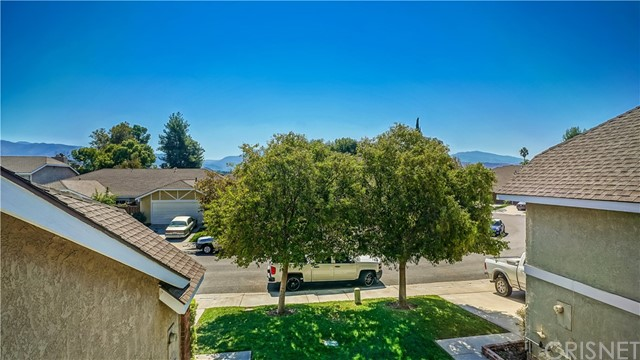 Additional photo for property listing at 16749 Highfalls Street  Canyon Country, California 91387 United States