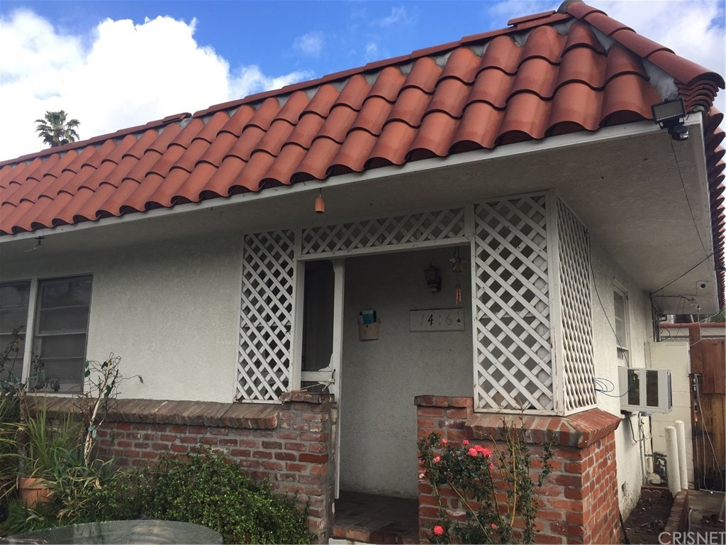Property for sale at 7416 Beckford Avenue, Reseda,  CA 91335