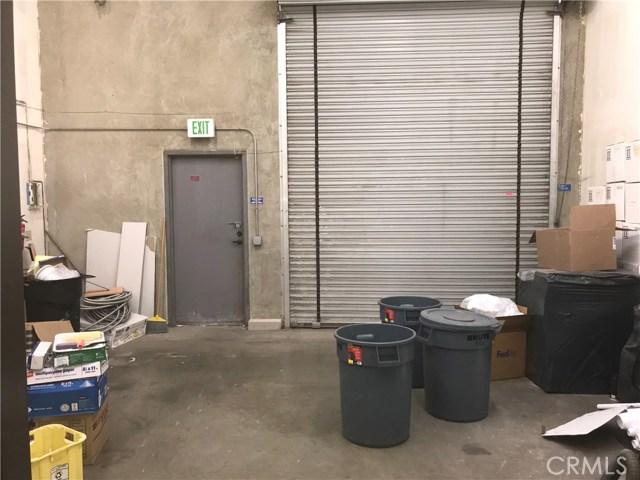 21356 Nordhoff Street, Chatsworth CA: http://media.crmls.org/mediascn/a2da8f64-a3f5-480f-a506-cb310f23b08e.jpg