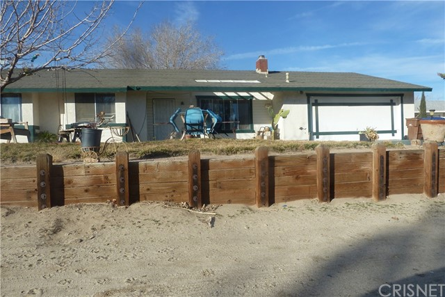 Single Family Home for Sale at 15833 Avenue Q1 E Lake Los Angeles, California 93591 United States