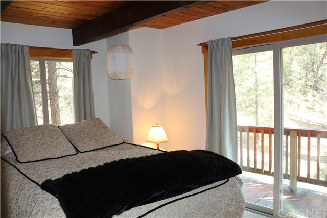 1420 Bernina Drive, Pine Mtn Club CA: http://media.crmls.org/mediascn/a2f78702-806a-40f3-bfc5-b08fe1c750ad.jpg