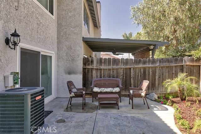 28963 Rue Daniel, Canyon Country CA: http://media.crmls.org/mediascn/a32ac9b2-c9d6-4572-8cfb-7879edd2df4b.jpg