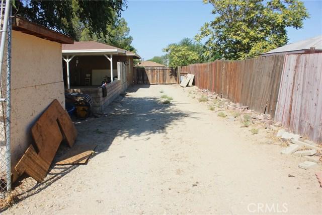 40556 171st E Street, Lake Los Angeles CA: http://media.crmls.org/mediascn/a36274fd-28b8-4bfc-ae05-204e088caa63.jpg