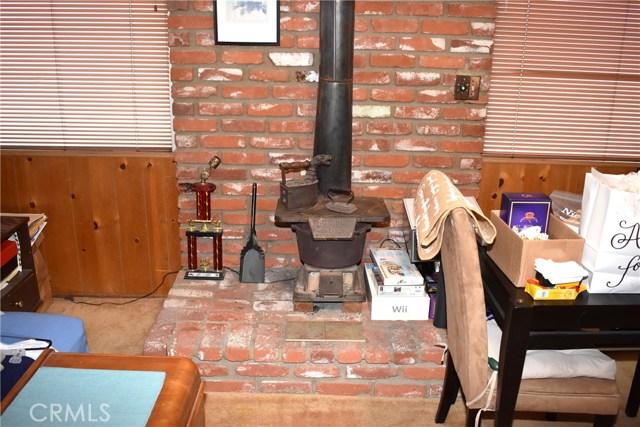 41631 55th W Street, Quartz Hill CA: http://media.crmls.org/mediascn/a363a2af-5cc0-4da6-9e79-8413a9380c41.jpg