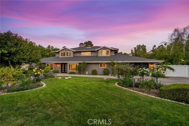 6140 Fenwood Avenue, Woodland Hills CA: http://media.crmls.org/mediascn/a39b04c5-6244-46de-8dd0-76ea8a2ca913.jpg