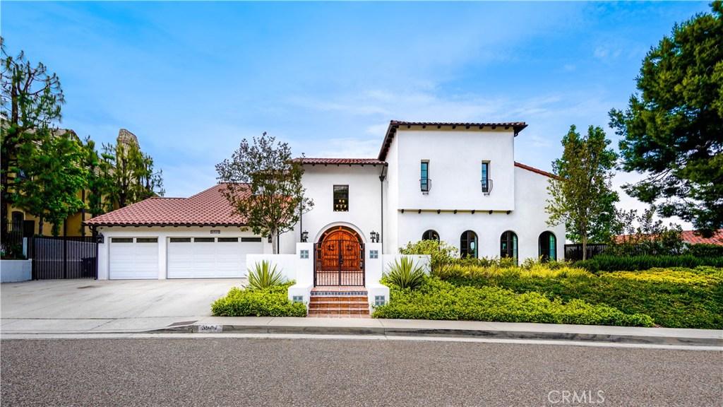 Photo of 3949 VISTA LINDA Drive, Encino, CA 91316