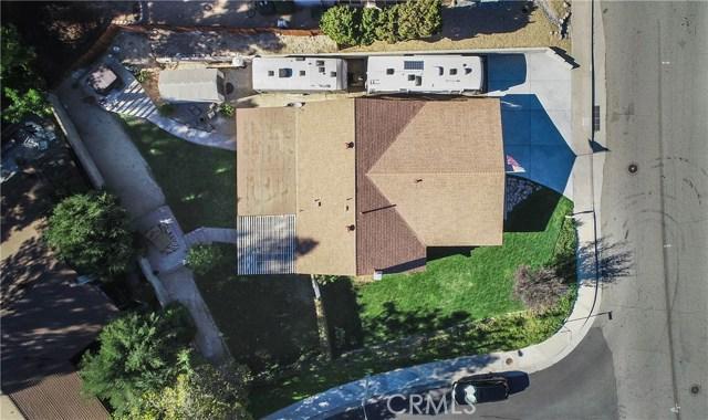 27419 Catala Avenue, Saugus CA: http://media.crmls.org/mediascn/a3d5e316-b0c8-4395-8932-7ee1b5ef1e0c.jpg