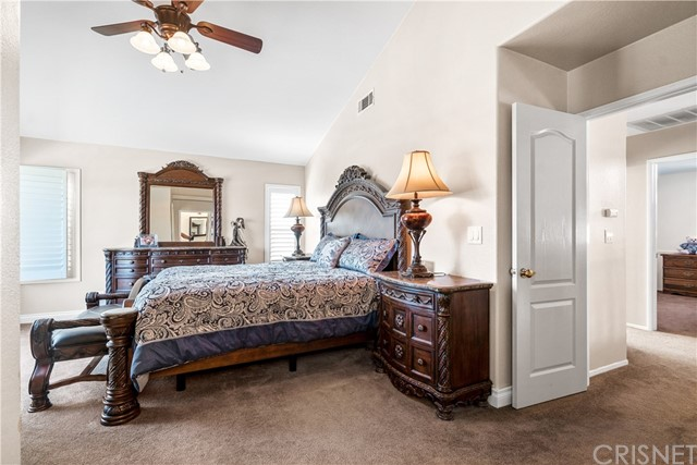 28225 Bel Monte Court, Canyon Country CA: http://media.crmls.org/mediascn/a3d9d534-1774-418d-be80-dfabad7bf7ee.jpg