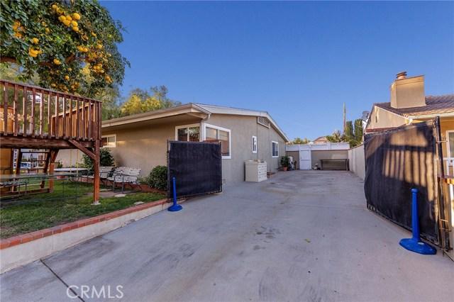 4870 San Feliciano Drive, Woodland Hills CA: http://media.crmls.org/mediascn/a3dfab40-6aaf-472d-9265-8aa54774d313.jpg
