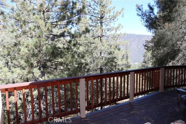 1420 Bernina Drive, Pine Mtn Club CA: http://media.crmls.org/mediascn/a4588ae4-fb89-4291-8c69-10c65d493ad8.jpg
