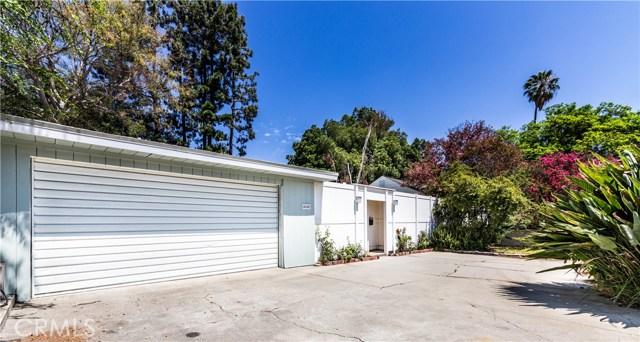 4245 Sepulveda Boulevard, Sherman Oaks CA: http://media.crmls.org/mediascn/a46717a4-6add-427f-b2df-5c38902c1975.jpg
