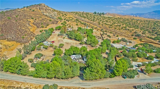 Single Family Home for Sale at 32140 Windrush Road Agua Dulce, California 91390 United States