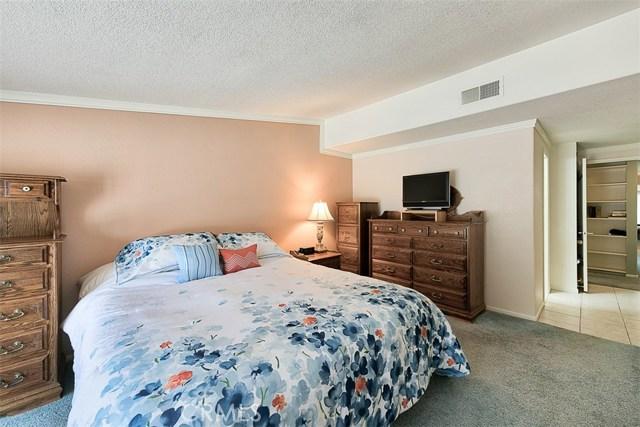 17400 Trosa Street, Granada Hills CA: http://media.crmls.org/mediascn/a4704331-3b73-426a-ae52-a8d746cdbf5d.jpg